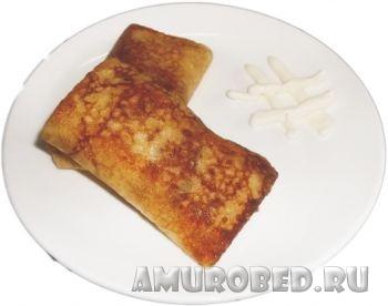фаршированные блины с колбасой и сыром